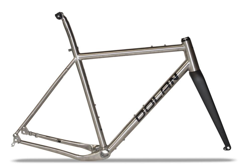 gxt-titanium-gravel-frameset_1.jpg